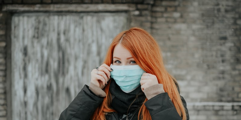 https://revlys.fr/wp-content/uploads/sites/2/2020/03/coronavirus-droits-voyageur-sans-assurance-annulation.jpg