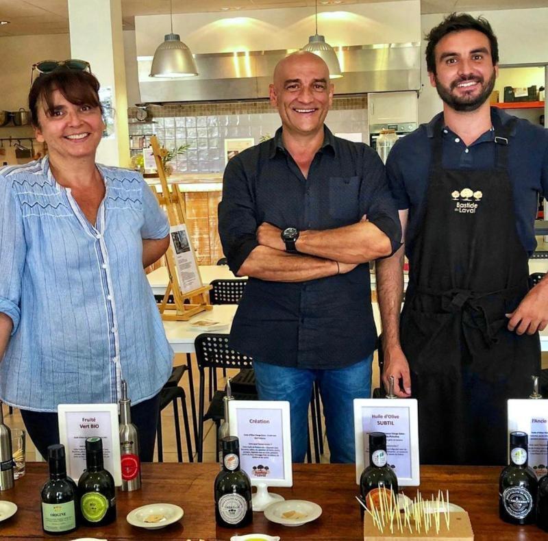 Photo Léo, Roland et Carine Coupat